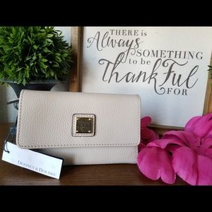 Dooney and Bourke cream wallet